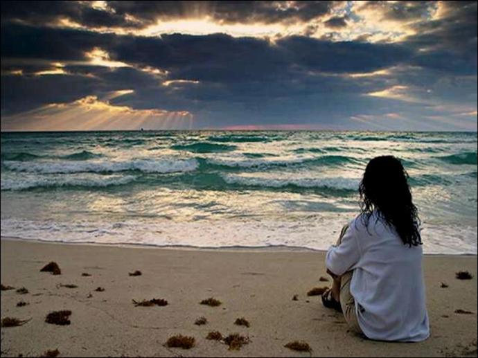 sola frente al mar.cam